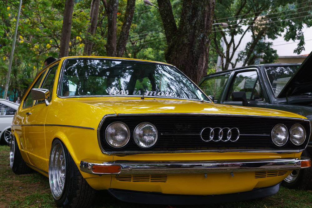 Yellow Volkswagen Bubble Gun Treffen
