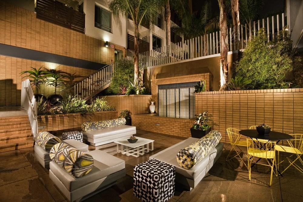 Ariel Fox DesignRubix_Lounge Garden_l.jpg
