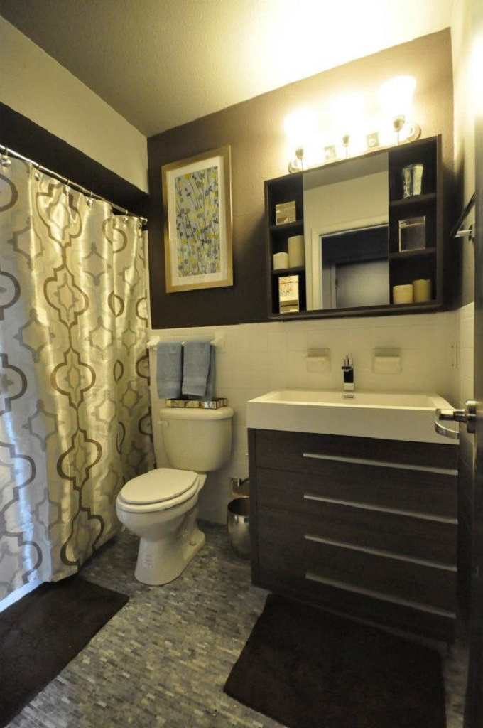 5601 Gaston LONDON  ABBY 13 Full Bath.jpg