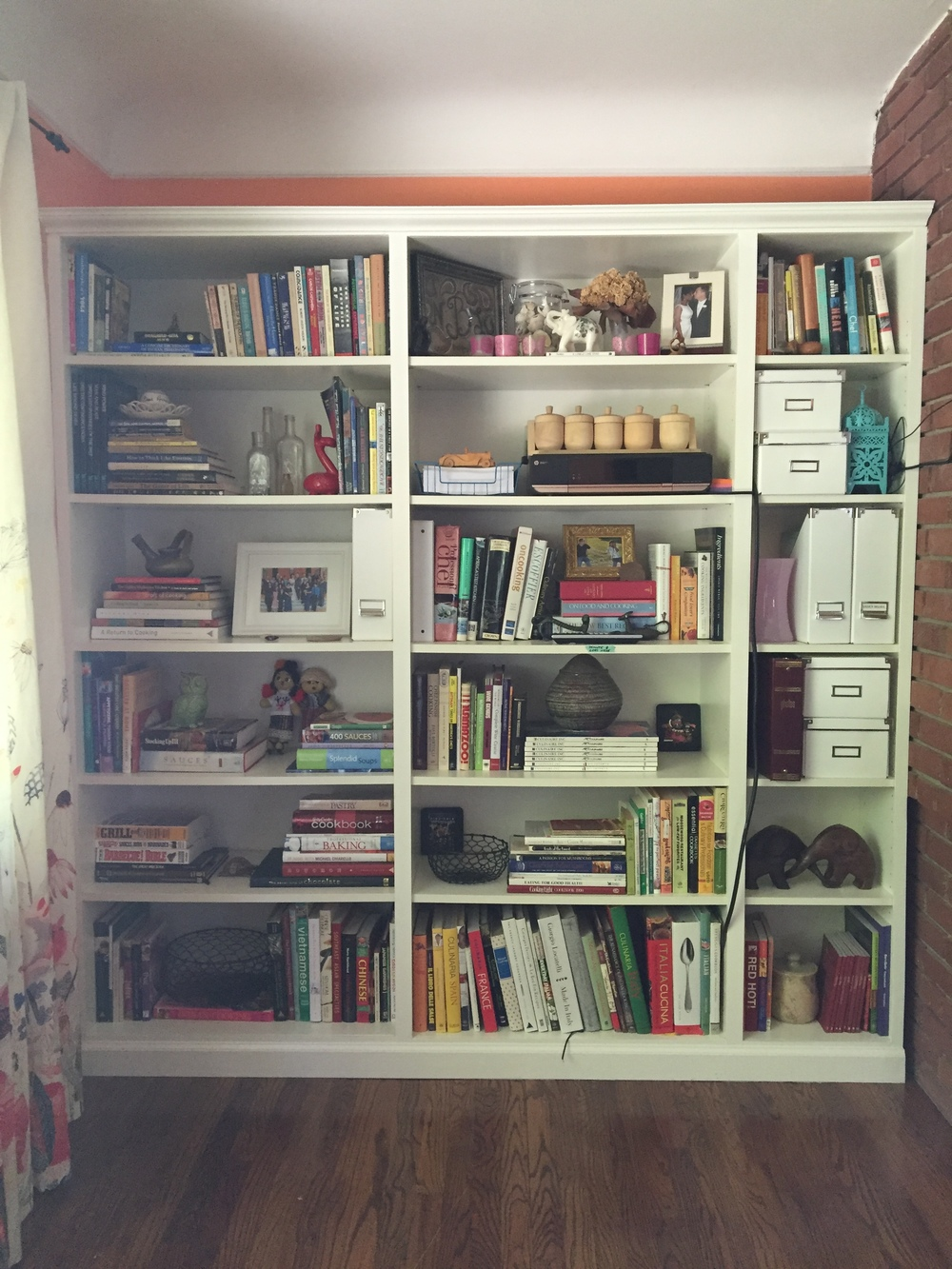 The left side bookshelf.....  Next project is figuringout how to hide TV and printer wires.....