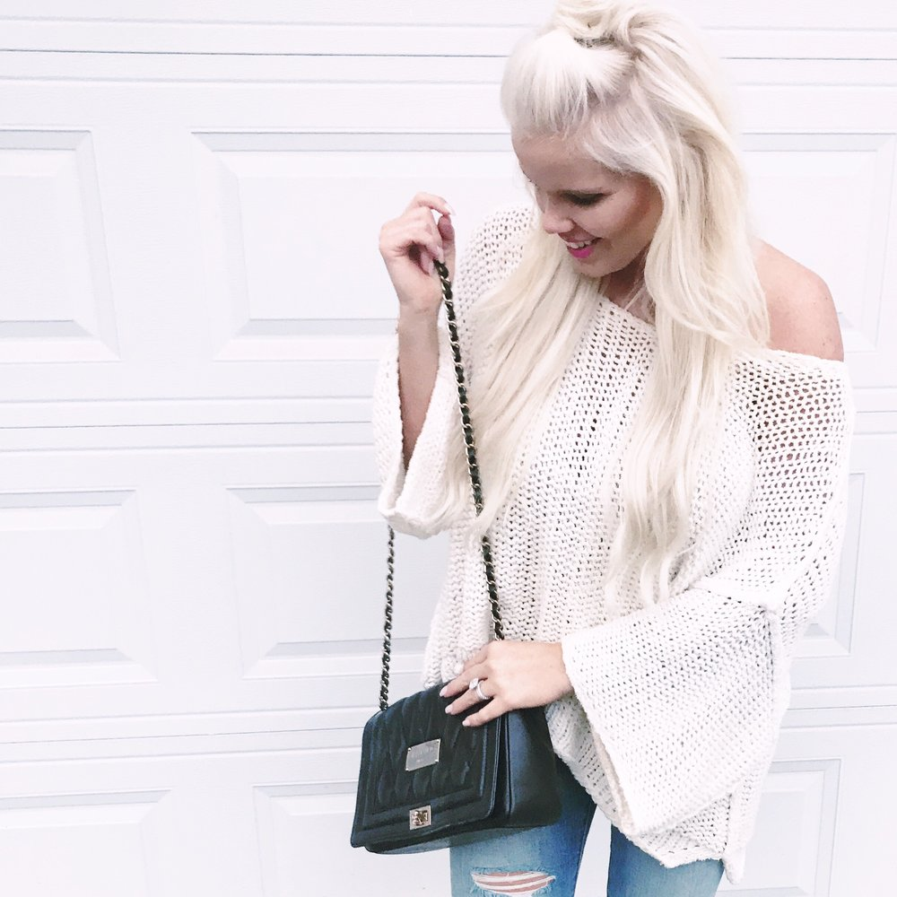 FREE PEOPLE - Again, I am SO happy sweater weather is finally here! This Halo Crop Sweater by Free People is an effortlessly chic style. As soon as I saw it at South Moon Under, I snatched it! I love mixing a bohemian look with a structured bag. The perfect duo!