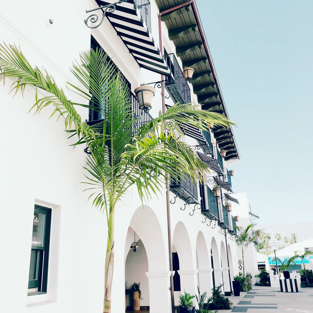 Hotel-Californian-Travel-Blogger