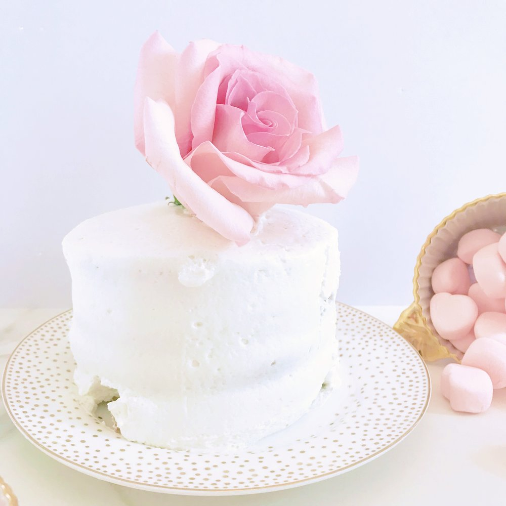 THE-CAROLINE-DOLL-BLOG-WEDDING-CAKE-PRESERVATION-2.JPG