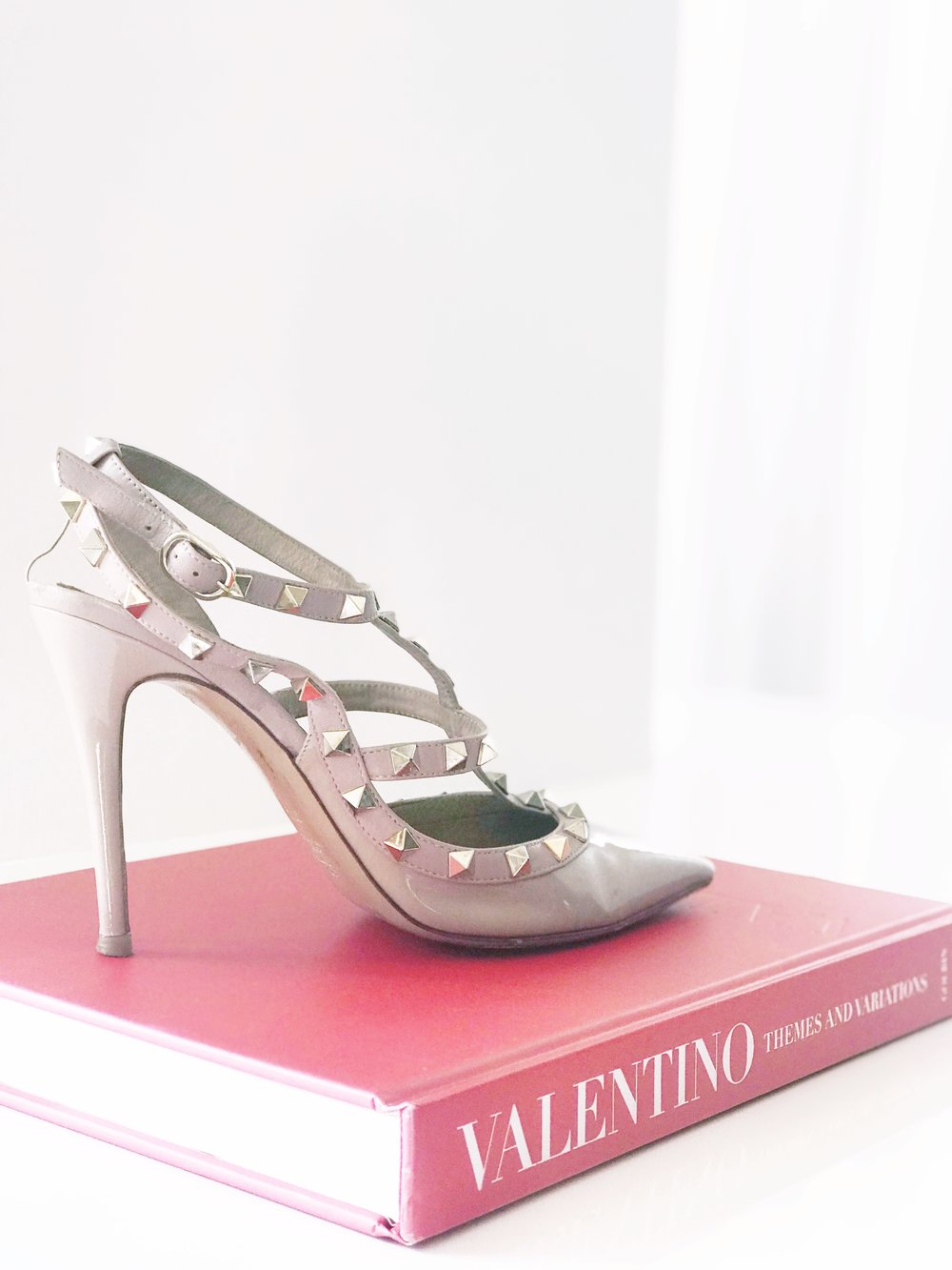 THE-CAROLINE-DOLL-BLOG-NATIONAL-VALENTINO-DA7-FASHION-BLOGGER-3.JPG