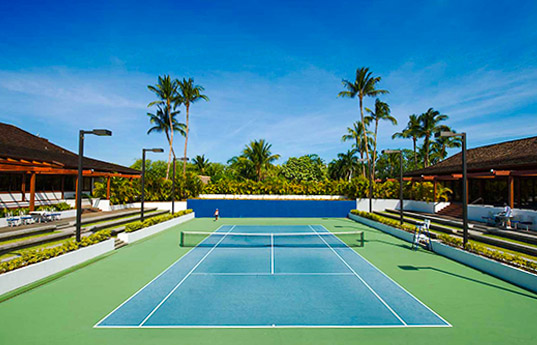1 of 6 courts at the Mauna Lani Resort | Photo credit: Mauna Lani Bay Hotel & Bungalows