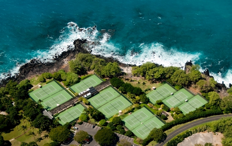 Aerial view of the 11 oceanside tennis courts at Mauna Kea Resort | PC:  onelombard.com