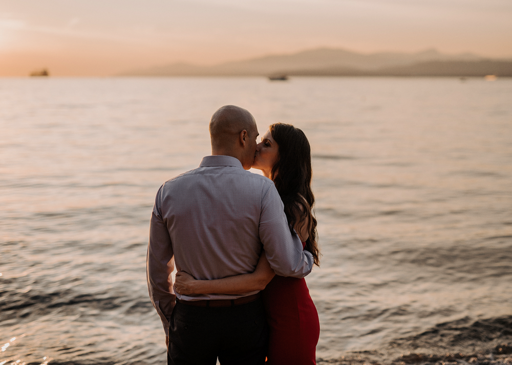 010-kaoverii-silva-AJ-prewedding-vancouver-photography-blog.png
