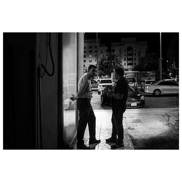 Phone break. . #myabudhabi #inabudhabi #fujifilm @fujifilmme #fujifilmx100f #streetphotography #lensculturestreets #street_photography #streetphotographers #streetlife #streets #everybodystreet #photojournalism #peoplescreatives #lensculture #streetlife_award #streetdreamsmag #documentaryphotography #streetphotographer #documentaryphotographer #beststreets #reportagespotlight #everydayeverywhere #streetactivityteam #streetdreamsmag #fotograferjomblo #streetactivity #urbanandstreet #imaginatones #streettogether #bestofstreet