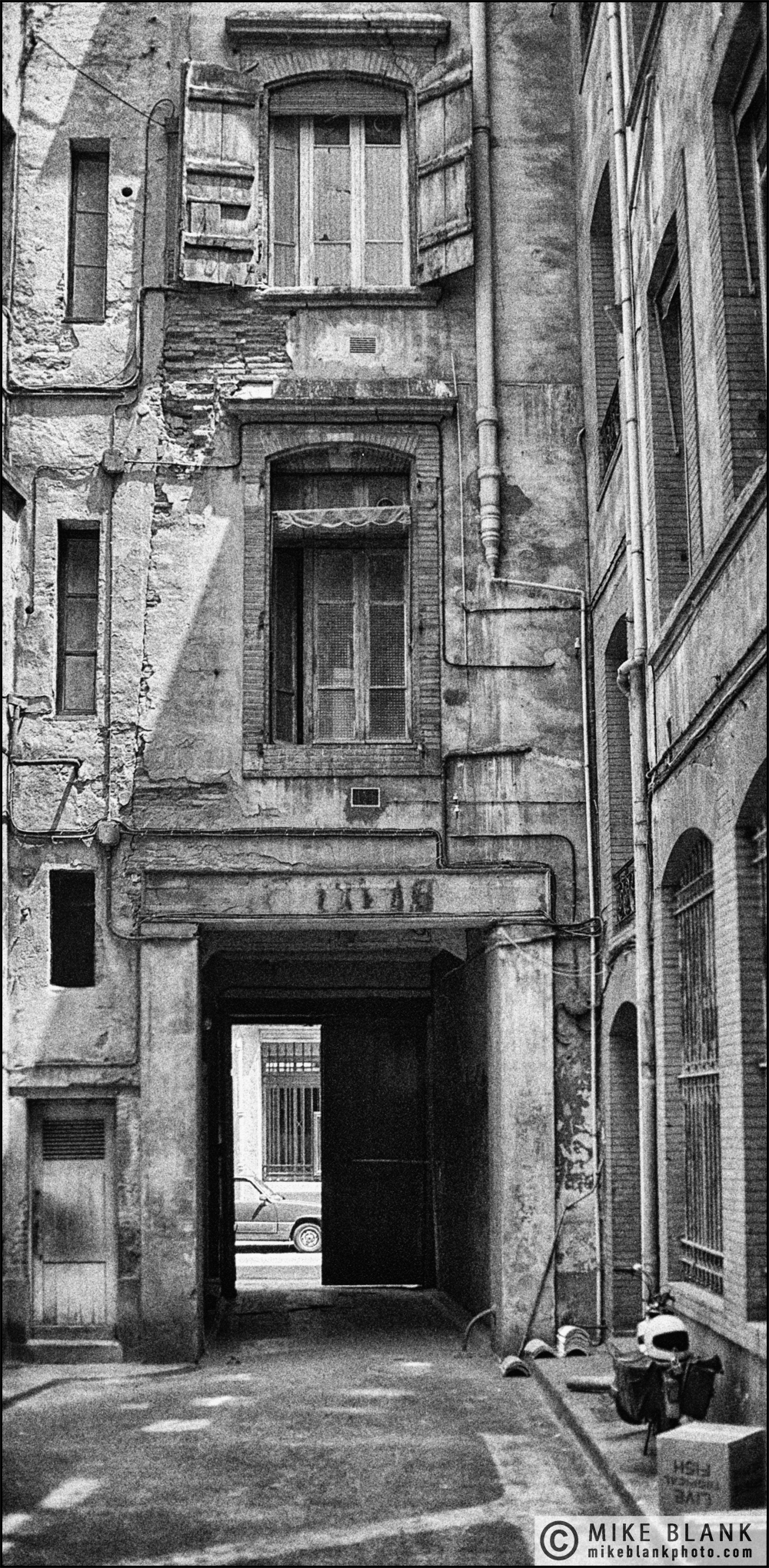 Courtyard, Toulouse 1988