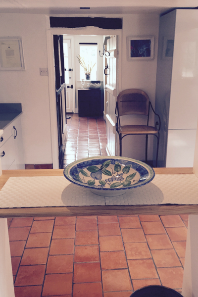nightingale-fitness-retreat-house-kitchen.png