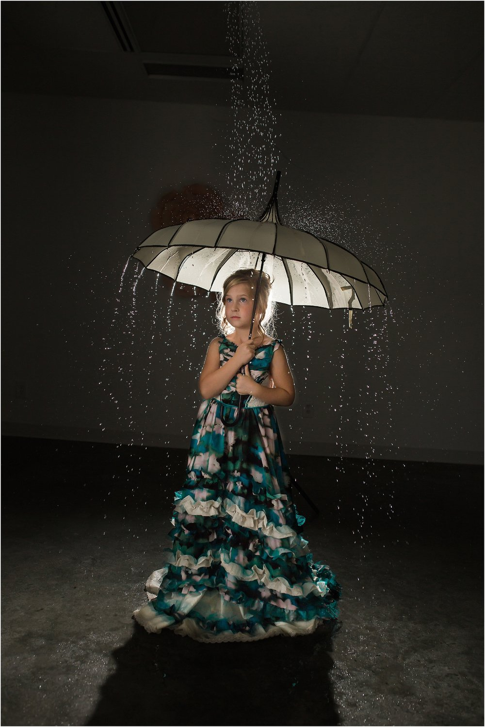 dynamic-image-little-girl-in-rain-at-night.jpg