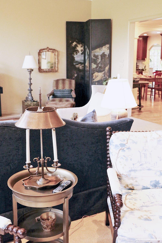 ajoyfulnoise-marriott-livingroom2.jpg