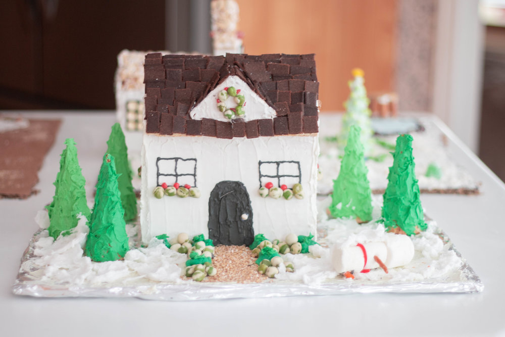 Gingerbread Houses-12.jpg