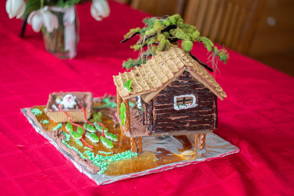 Gingerbread Houses-8.jpg