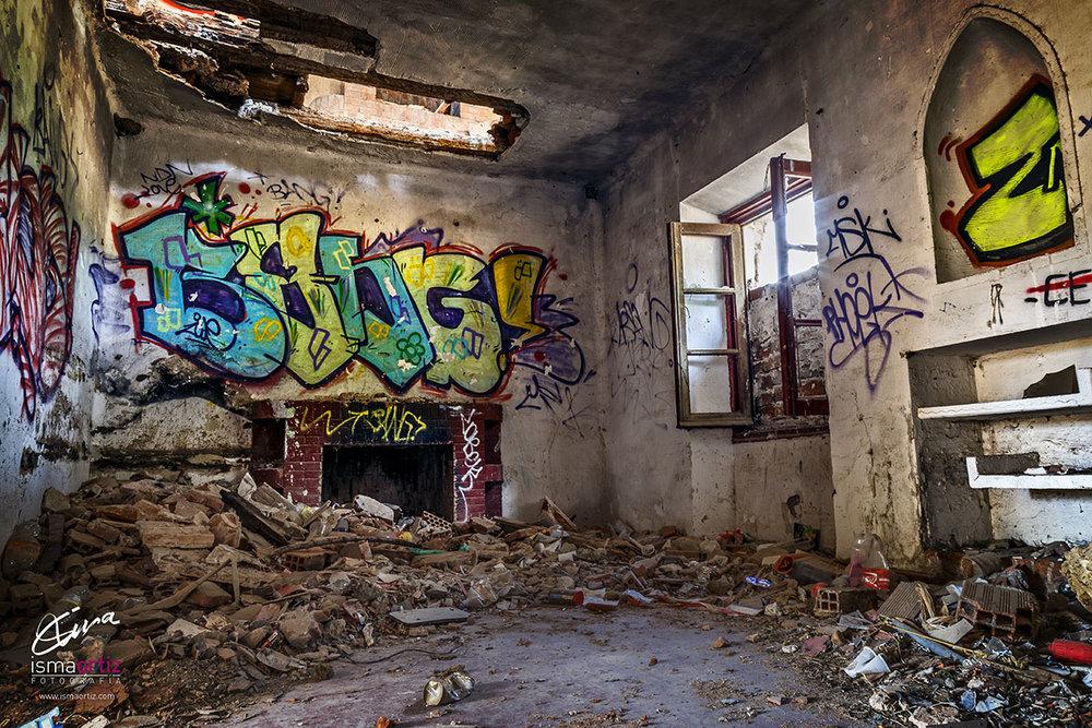 Refugio de Grafiteros / Grafitti Artists' Refuge