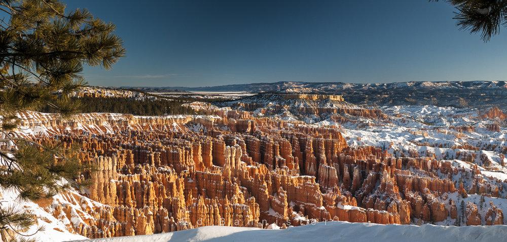 Men At The Edge Of The Canyon  Location: Bryce Canyon, Utah, USA