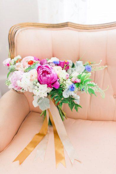 blush-and-navy-menswear-groom-wedding-attire_ellery-farms-wedding_Jessi-Nichols-Photography.jpg