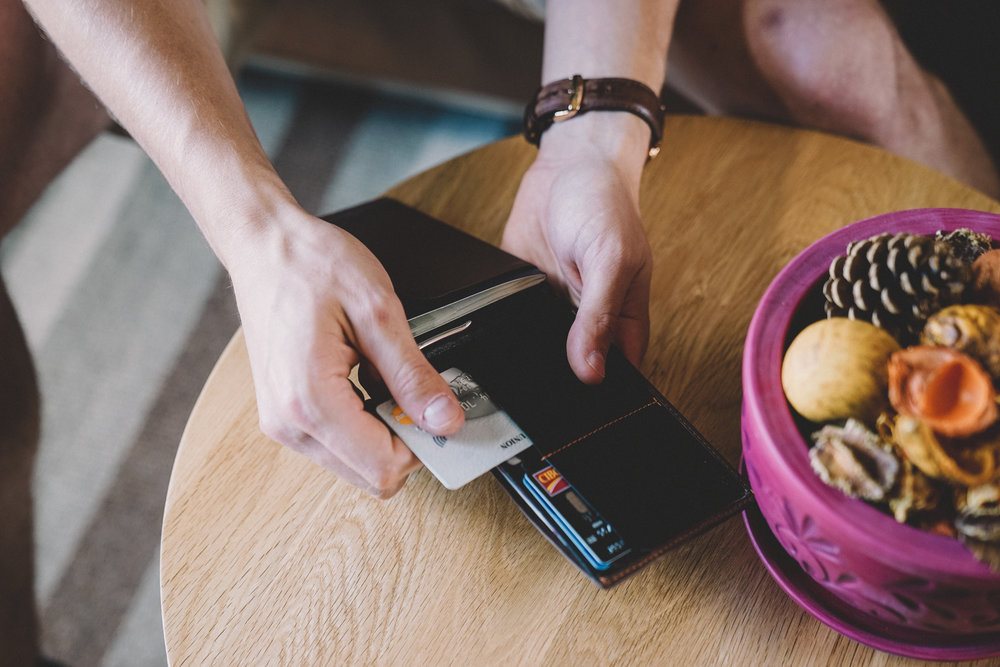 Bellroy-Travel-Wallet-17.jpg