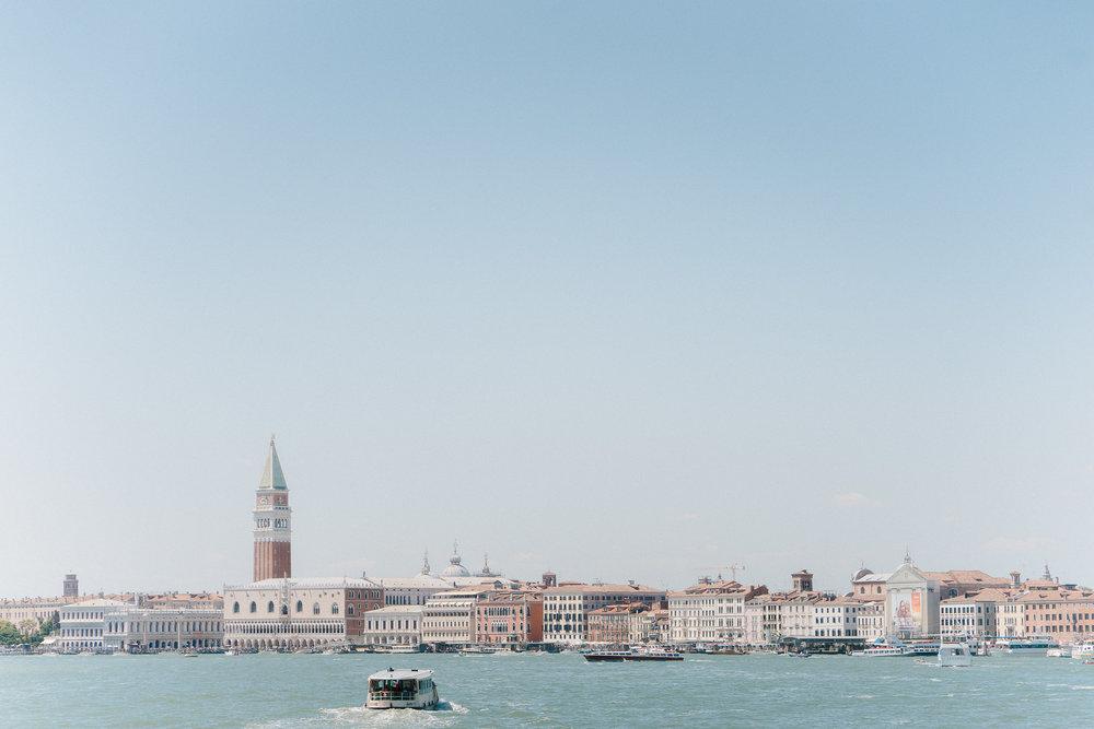 Venice-Burano-Italy-4.jpg