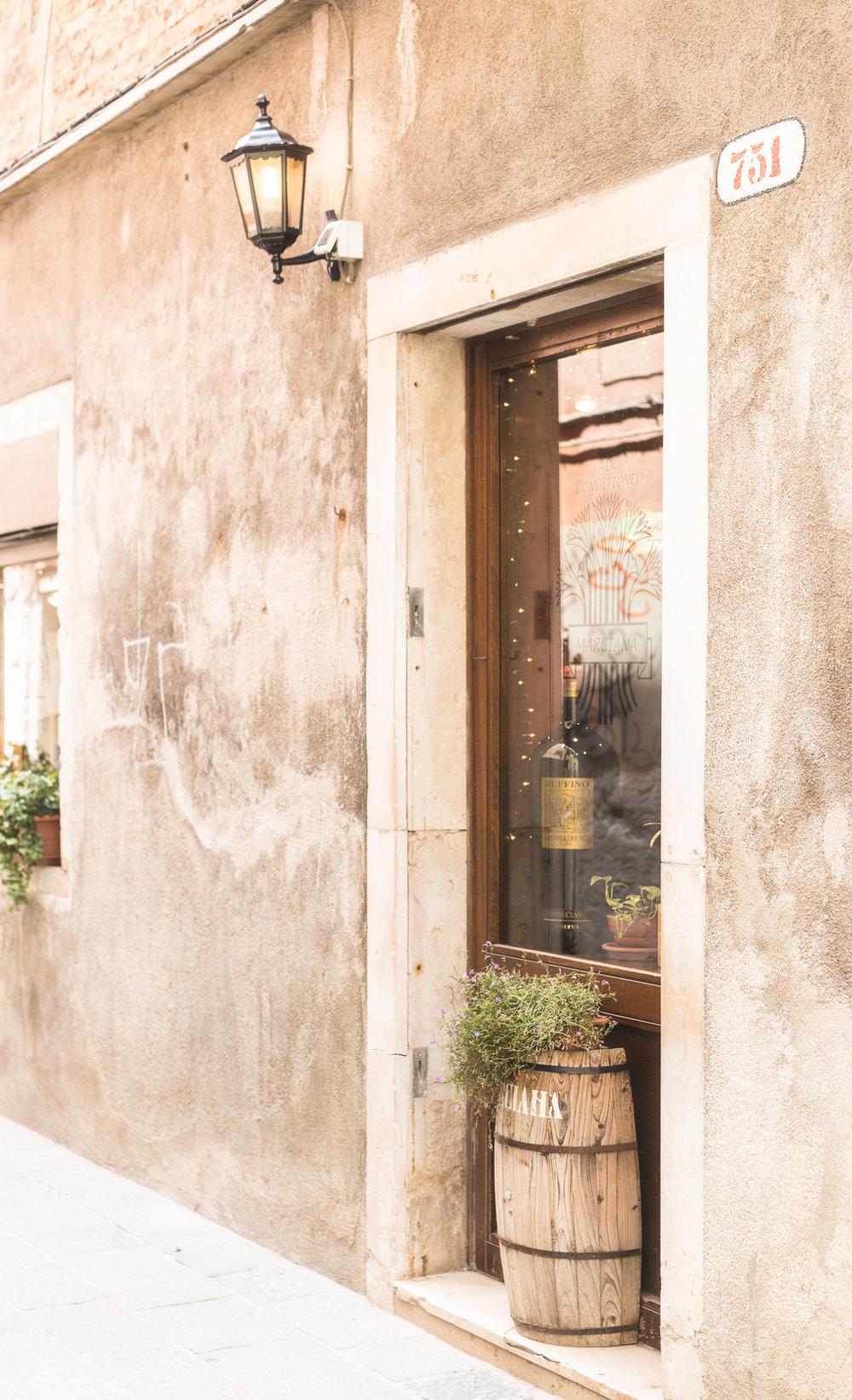 Venice-Burano-Italy-13.jpg
