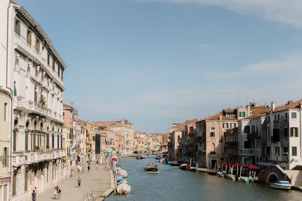 Venice-Burano-Italy-15.jpg