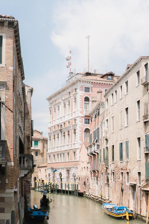 Venice-Burano-Italy-20.jpg