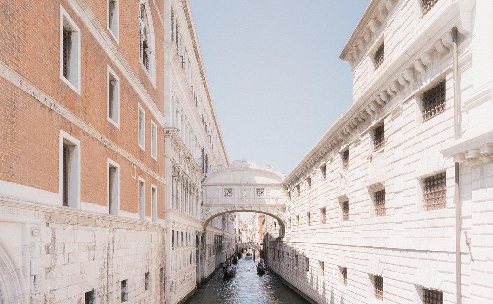 Venice-Burano-Italy-29.jpg