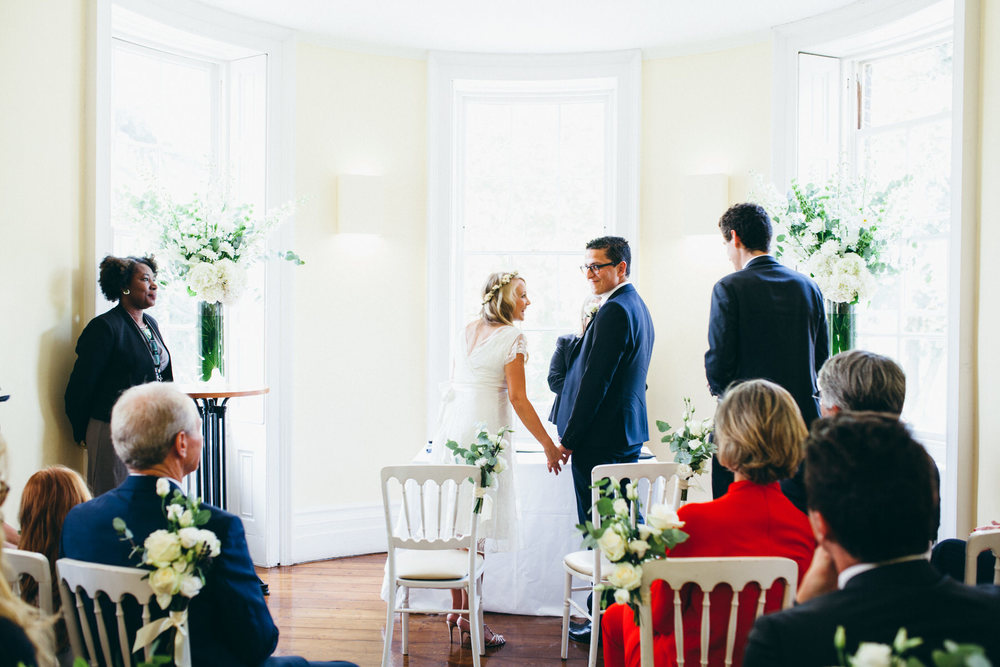 Clissold House wedding ceremony natural wedding photography