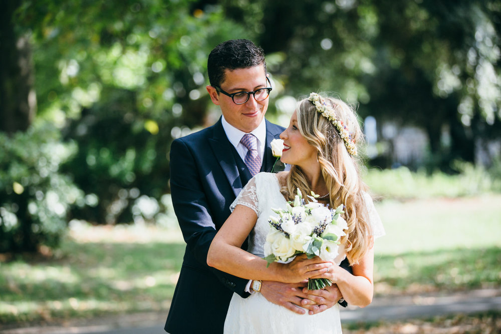 relaxed romantic wedding photos London Stoke Newington