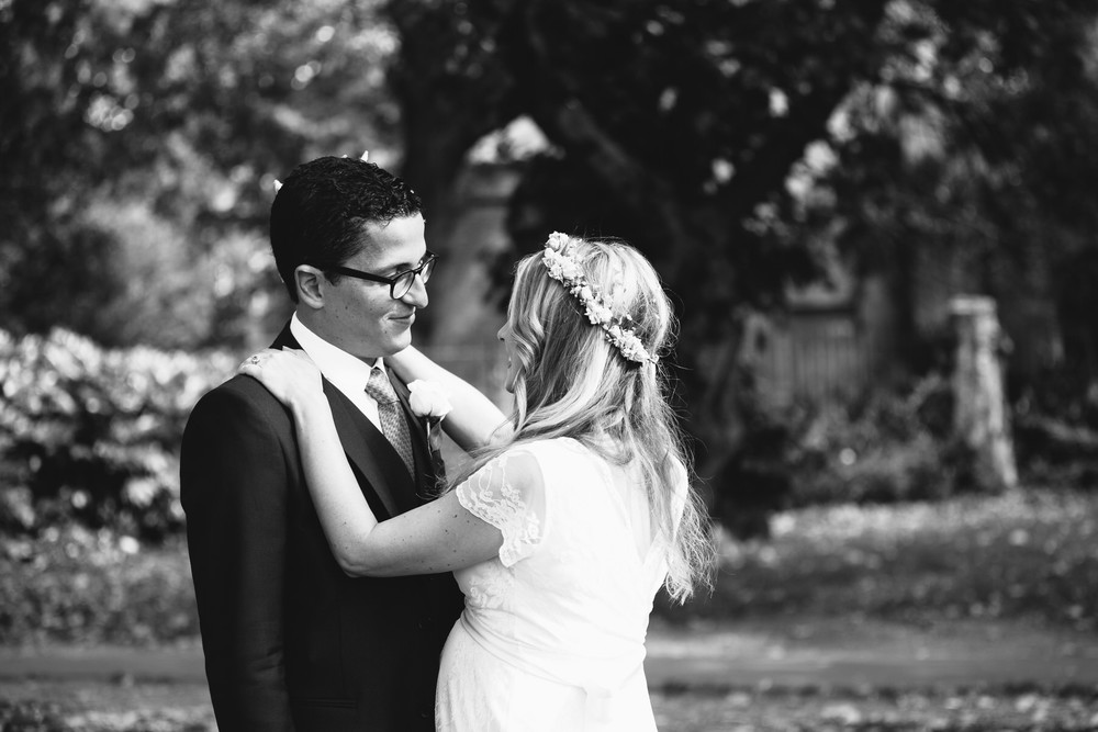 bnw natural elegant couple wedding portraits Stoke Newington