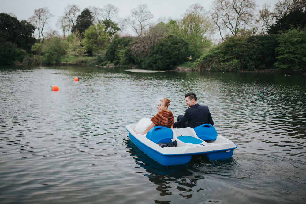 184-Victoria-park-alternative-wedding-couple-pedalo.jpg