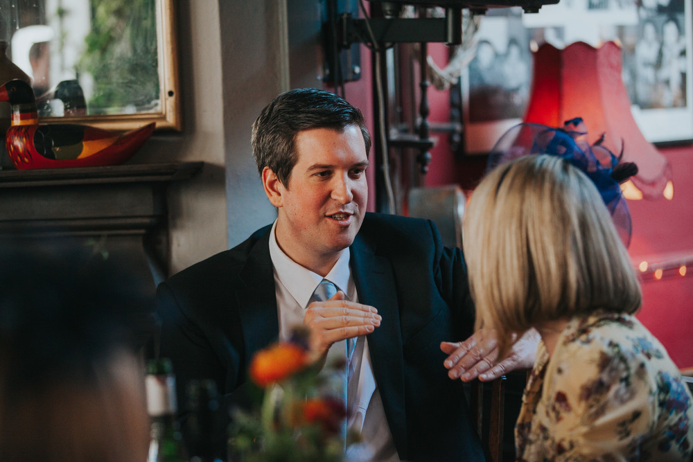 248-Londesborough-Pub-wedding-guest-reportage.jpg