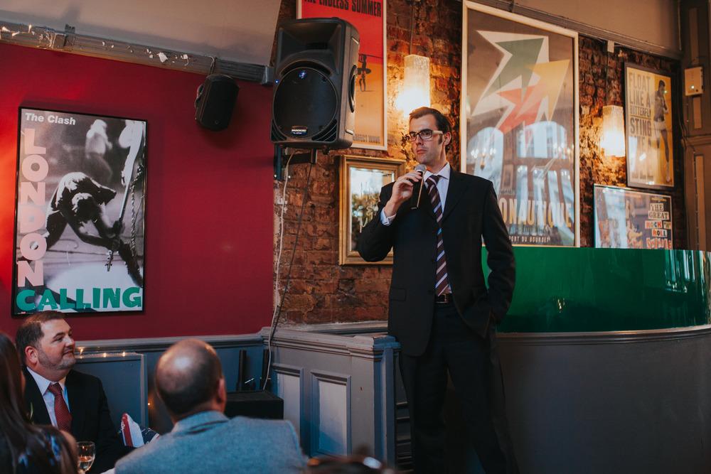 groom giving speech at Londesborough Pub