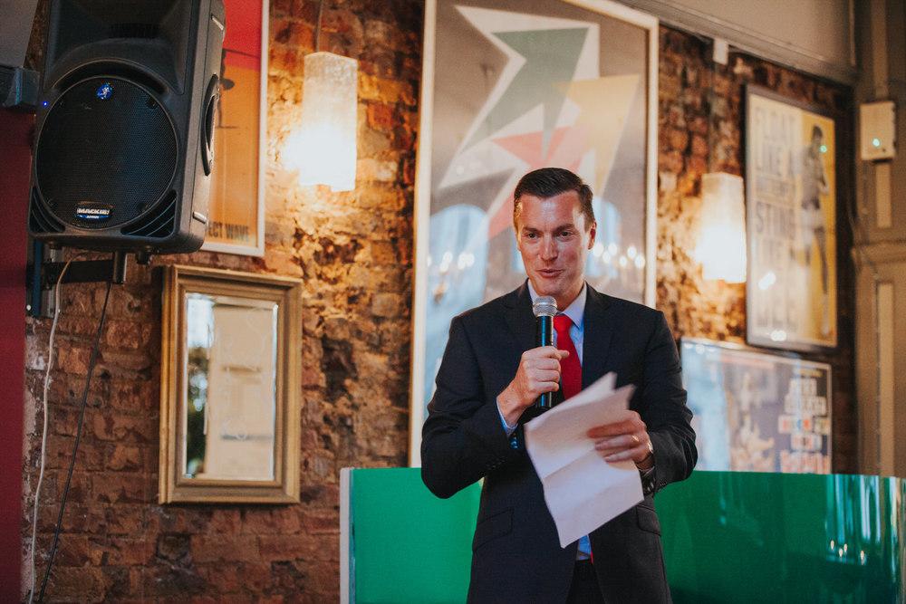 278-Londesborough-Pub-wedding-bestman-speech-reportage.jpg