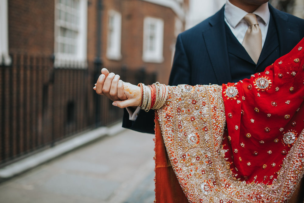 12-Anglo-Asian-London-Wedding-Middle-temple-red-sari-henna-hand.jpg