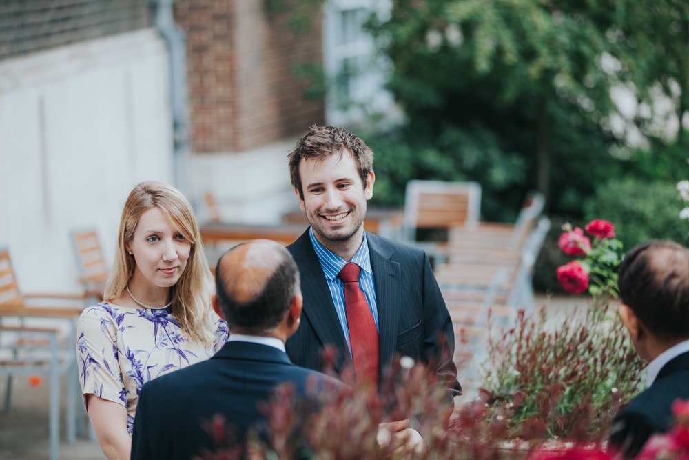 69-London-Wedding-Middle-temple-guests-reportage.jpg