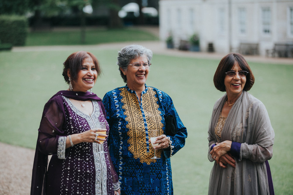 103-Anglo-Asian-London-Wedding-Middle-temple-female-guests.jpg