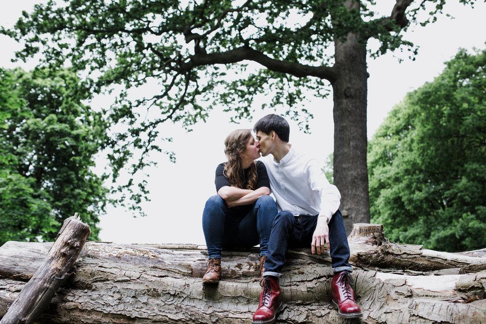 31-romantic London forest engagement shoot.jpg