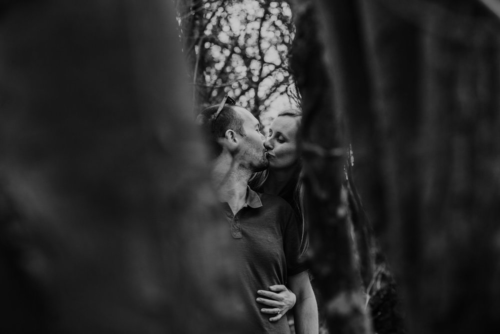 31-romantic unposed forest couple portraits Richmond.jpg