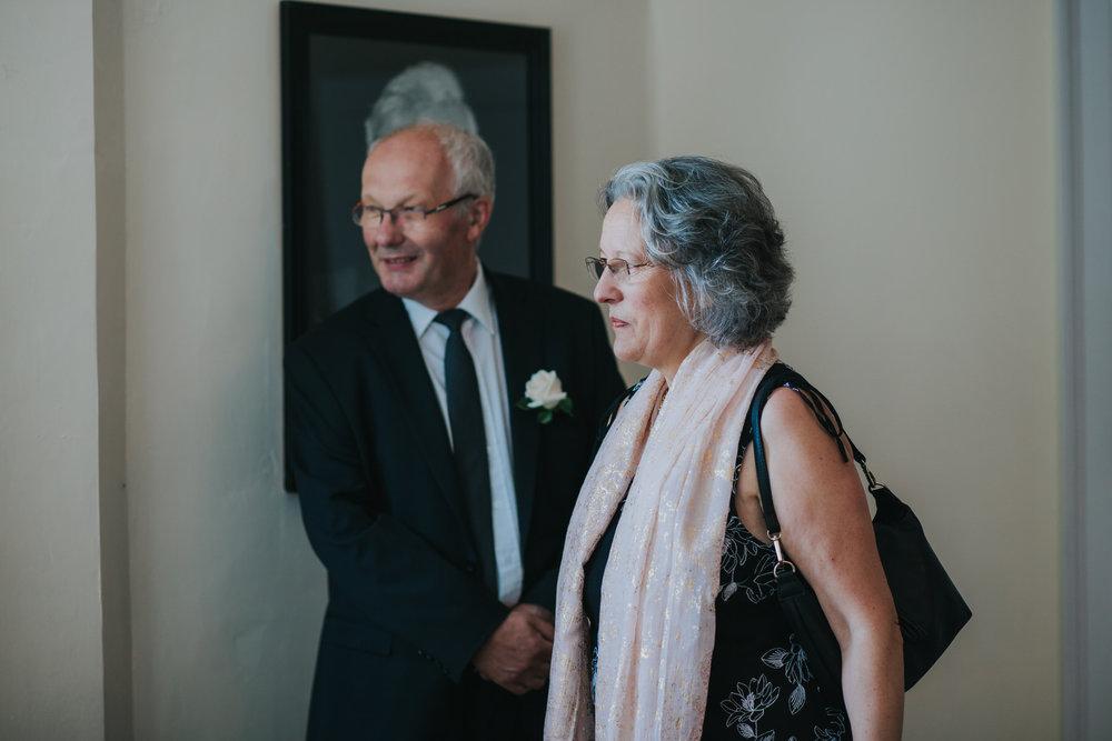 18 guests arrive Pembroke Lodge wedding reportage.jpg