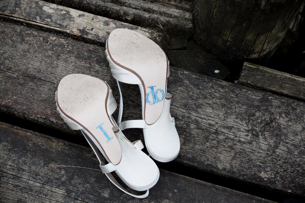 I do wedding sandals London reportage photographer.jpg