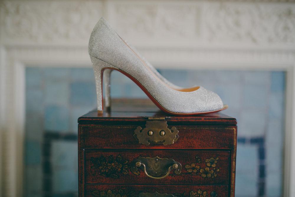 manolo-blahnik-wedding-shoes-yolande-de-vries-photography.jpg