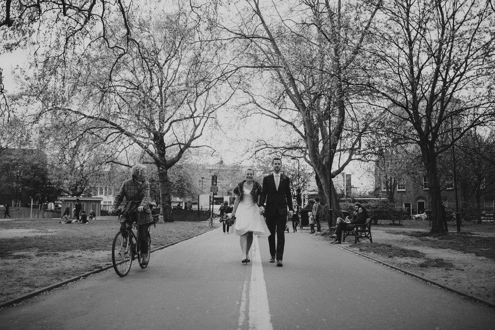 documentary wedding photography London-alternative London-Fields.jpg