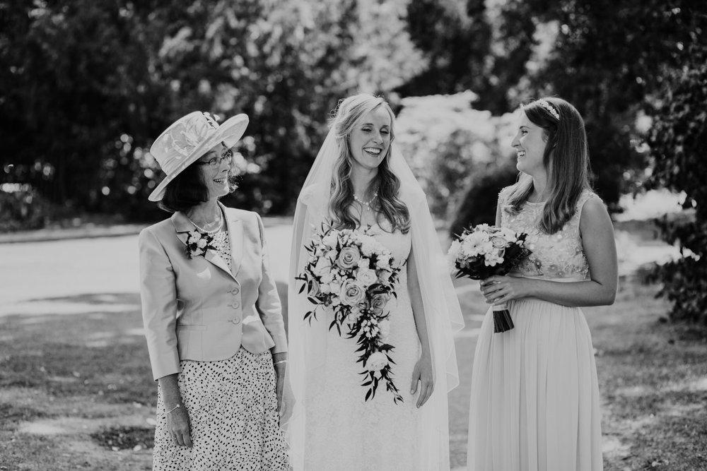 27 bridal party mother bride maid of honour Pembroke Lodge.jpg