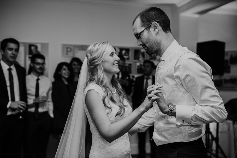 416-Pembroke Lodge wedding first dance photographer.jpg