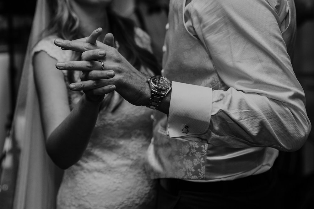 417-Pembroke Lodge wedding first dance photographer.jpg