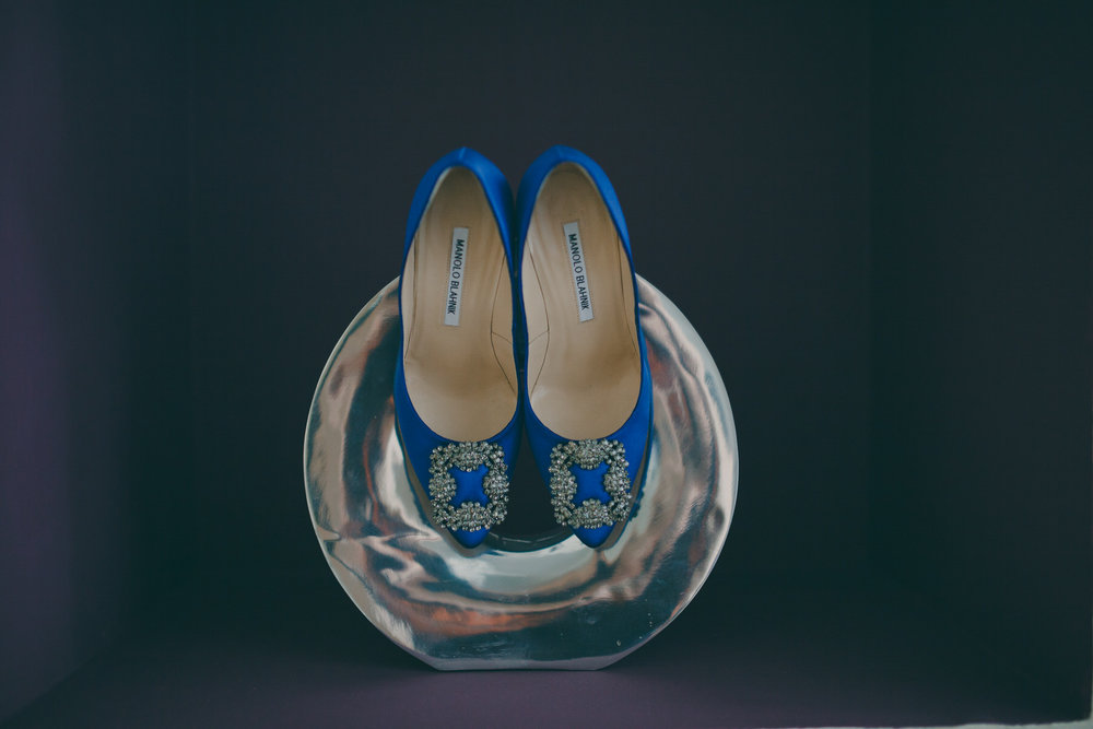 25 blue Manolo Blahnik wedding shoes silver sculpture.jpg