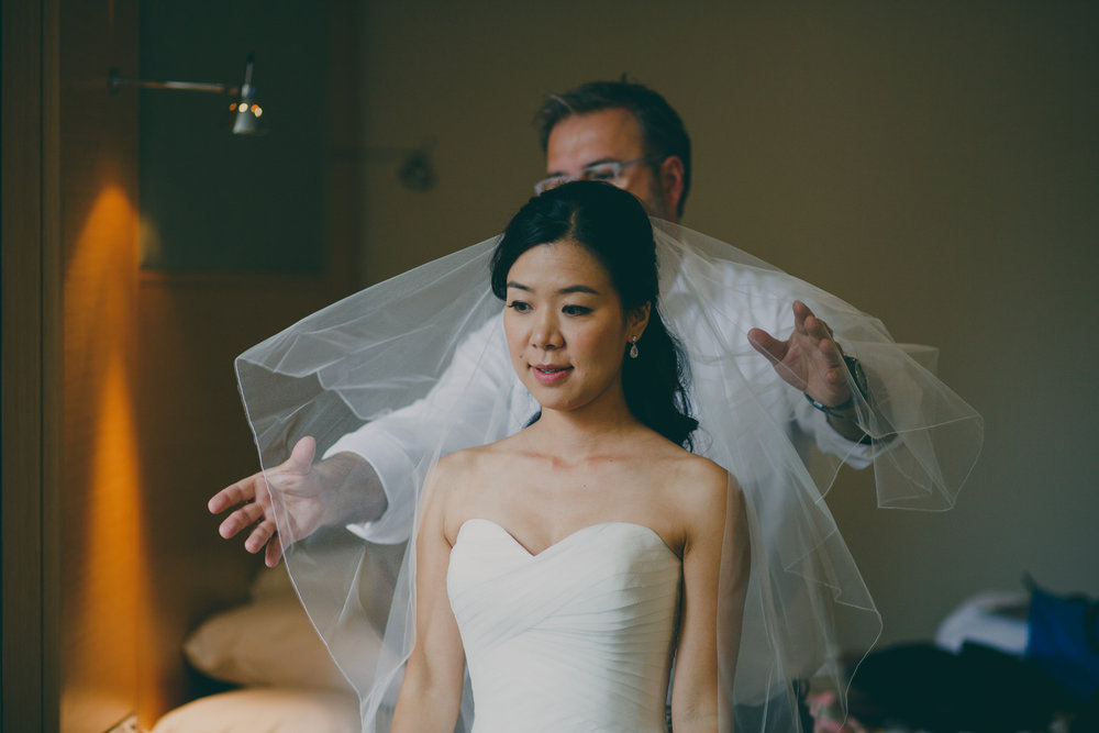 75 Severin Hubert styling brides veil.jpg