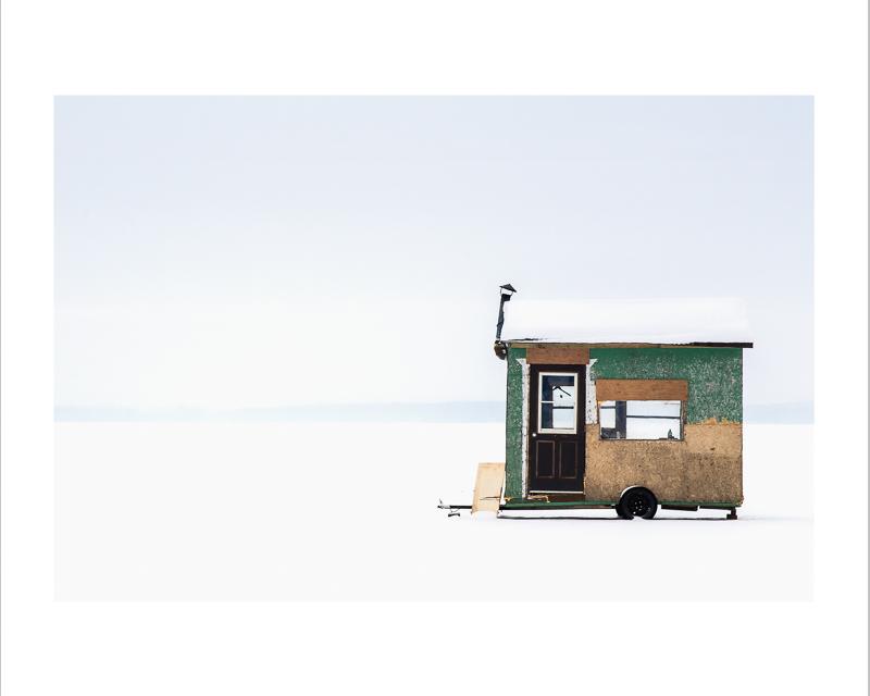 Cabane de pêcheur sur glace,  Parc National d'Oka    Publication Spécial Relève Photosolution 2015    Impression jet d'encre    16X20 pouces :  Prix avec cadre : 200,00$                  Prix sans cadre : 175,00$