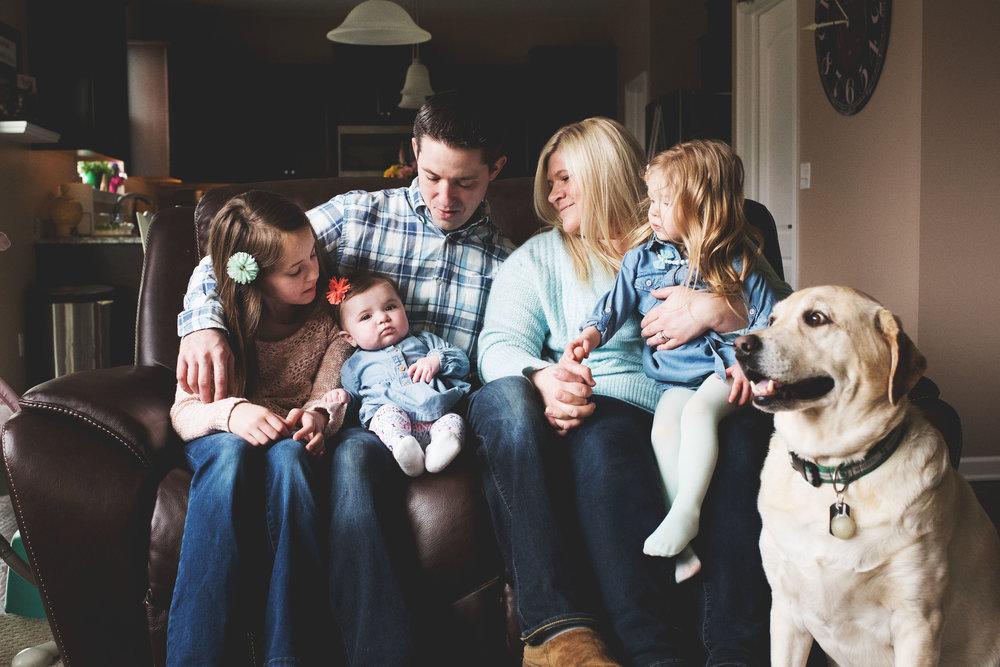 karra lynn lifestyle newborn photographer - family with dog